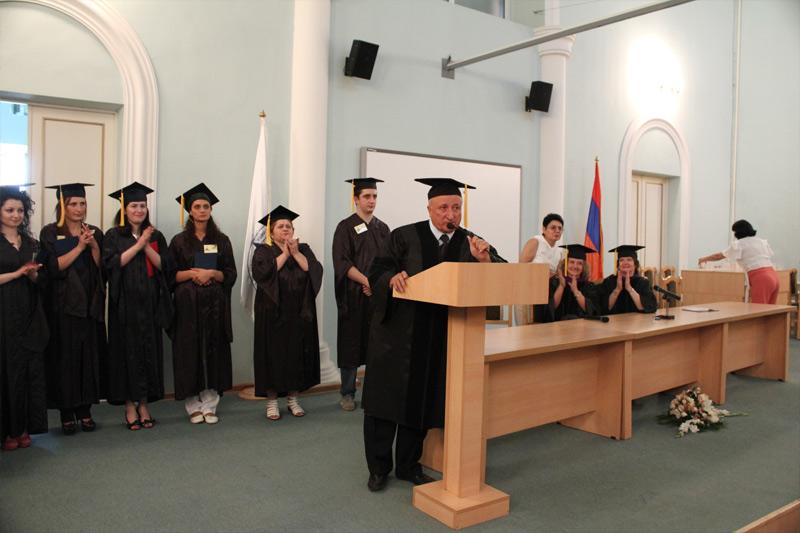 «Ուրարտու» համալսարանի ռեկտոր, պրոֆեսոր Սեդրակ Աղասու Սեդրակյանի ելույթը համալսարանի մագիստրանտներին դիպլոմներ հանձնելու արարողության ժամանակ: